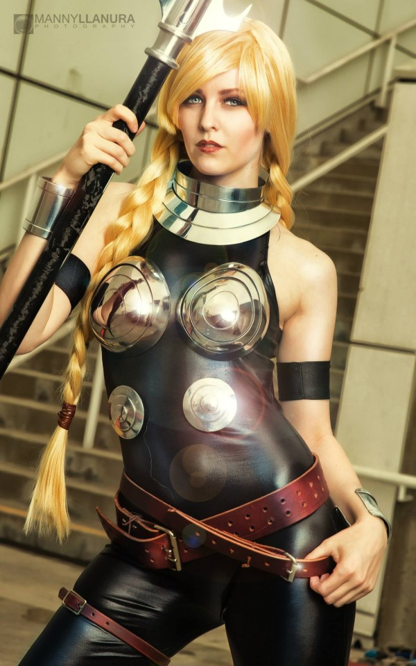 Valkyrie-cosplayer (2)