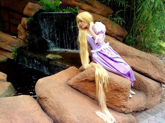 rapunzel-cosplay (1)