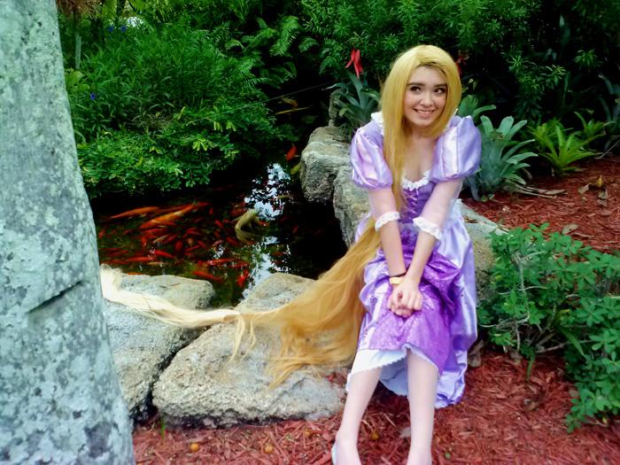 rapunzel-cosplay (2)