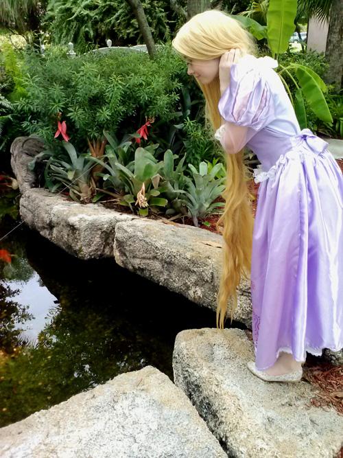 rapunzel-cosplay (3)