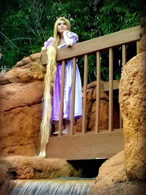 rapunzel-cosplay (4)
