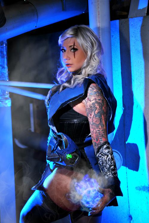 Sexy mortal kombat cosplayer slideshow - 2 part 8