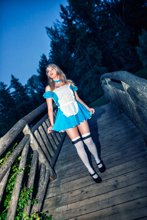 alice-wonderland-cosplay-01