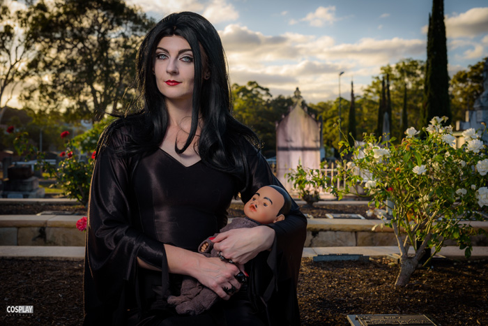 morticia-addams-cosplay (1)