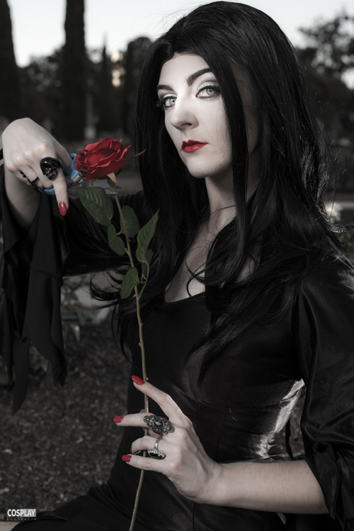 morticia-addams-cosplay (2)