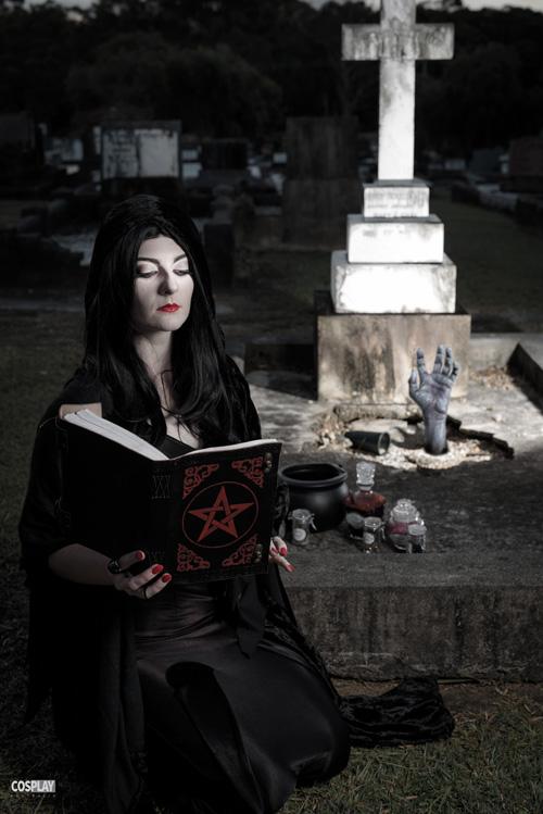 morticia-addams-cosplay (3)