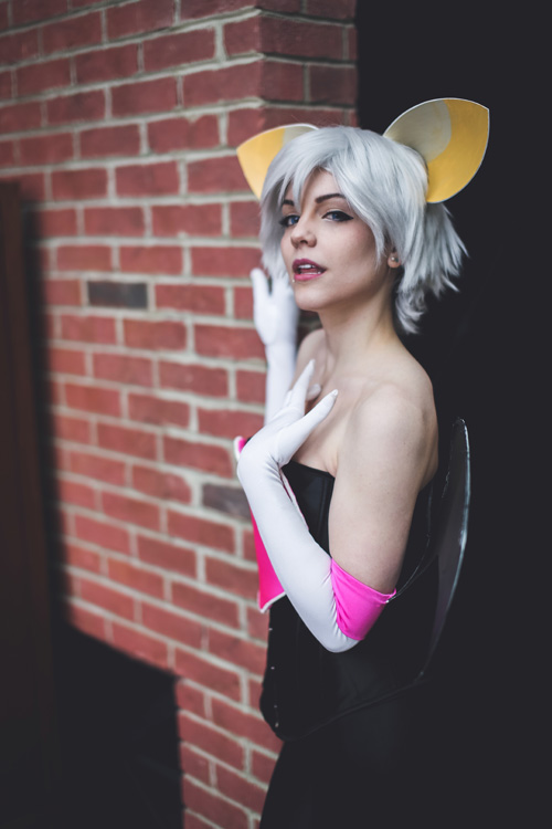 rouge-sonic-cosplay (5)