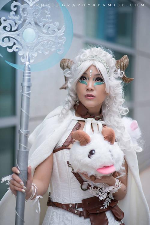 poro-queen-cosplay (3)