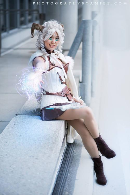 poro-queen-cosplay (4)