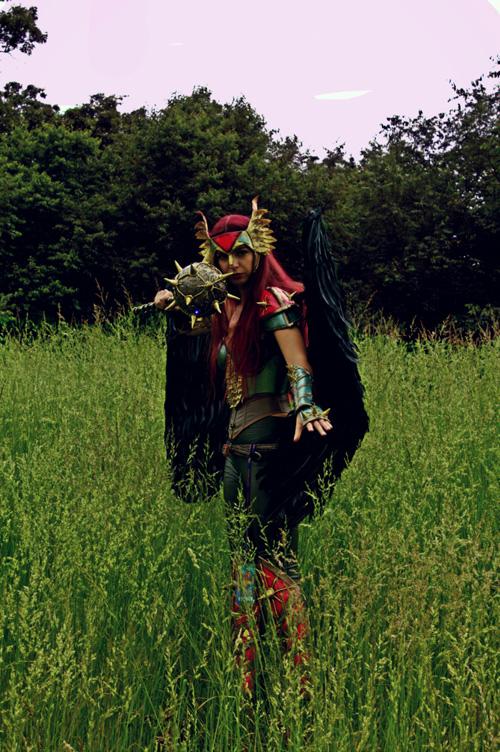 mulher-gaviao-cosplay (4)
