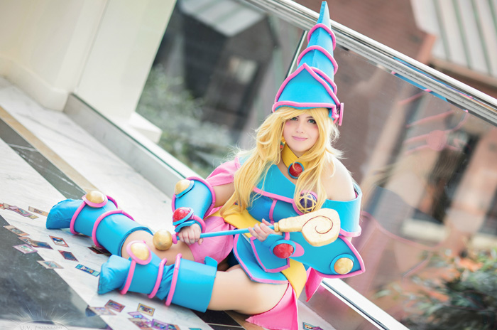 dark-magician-cosplayer (3)