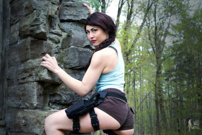 lara-croft-cosplayer (4)