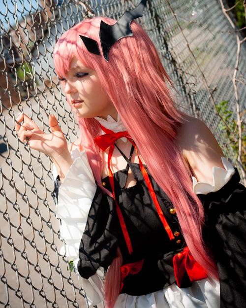 krul-tepes-cosplay (3)