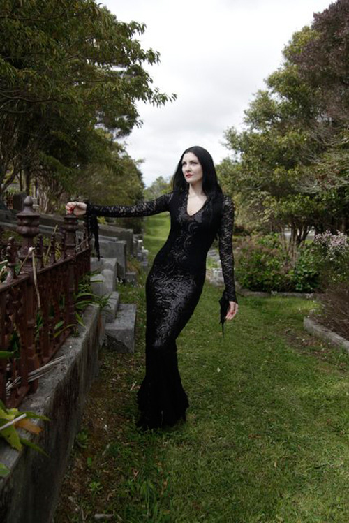 morticia-addams-cosplay-1