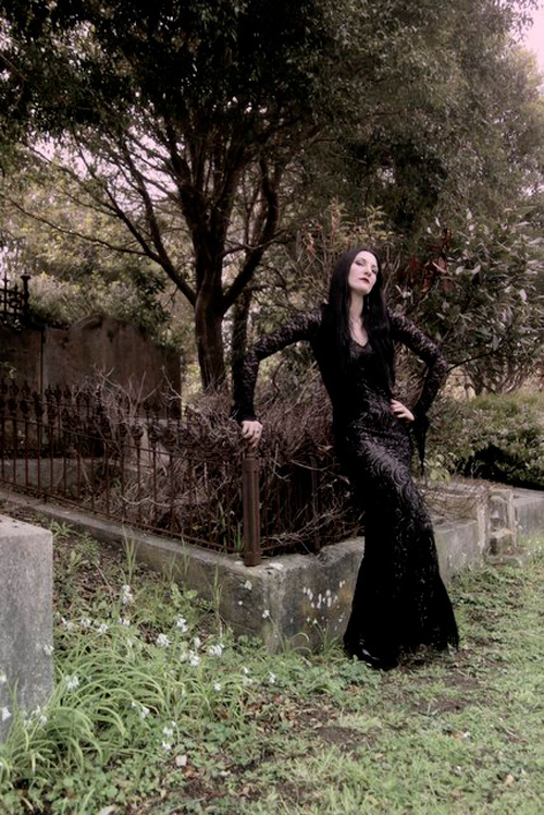 morticia-addams-cosplay-2
