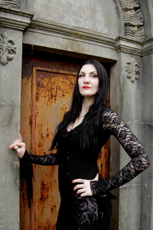 morticia-addams-cosplay-4