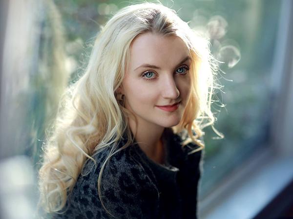 evanna-lynch-atriz