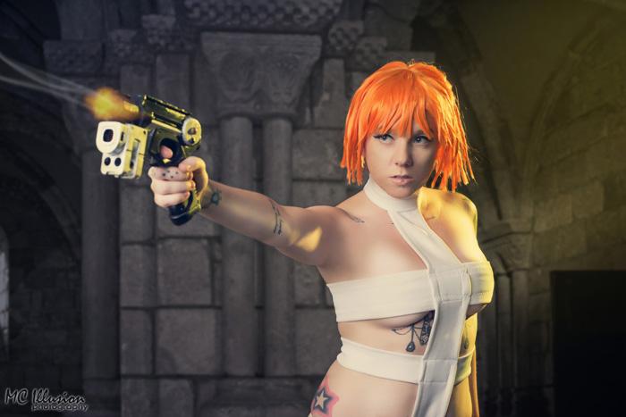 leeloo-cosplay-2