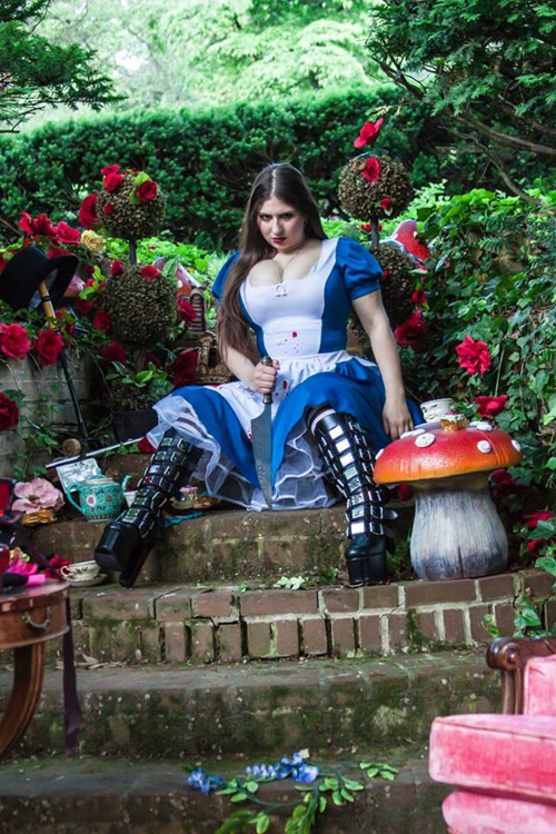 alice-wonderland-cosplay-1