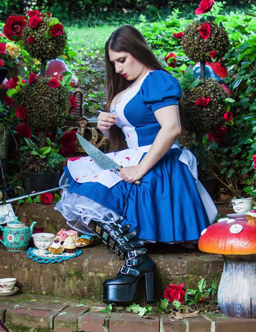 alice-wonderland-cosplay-2