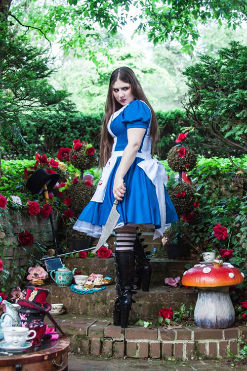 alice-wonderland-cosplay-3
