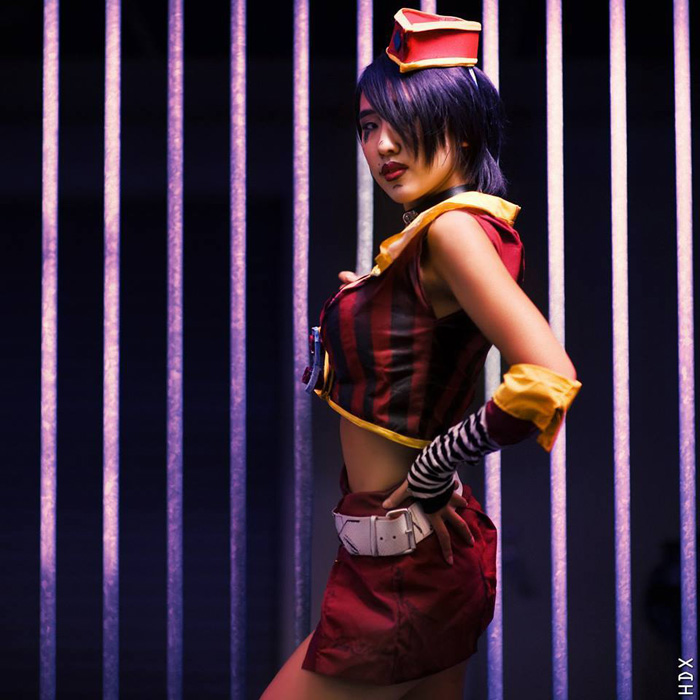 mad-moxxi-borderlands-cosplay-5