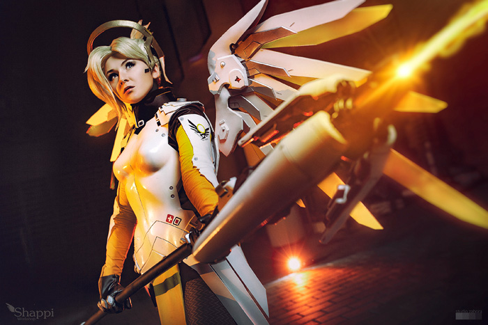 mercy-overwatch-cosplay-4