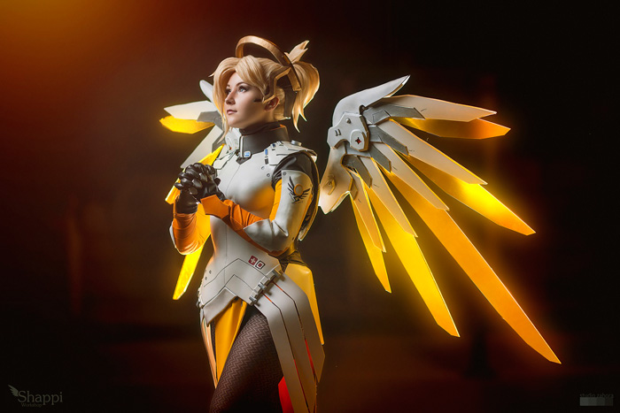mercy-overwatch-cosplay-5