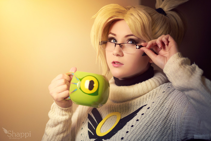 mercy-overwatch-cosplay-6