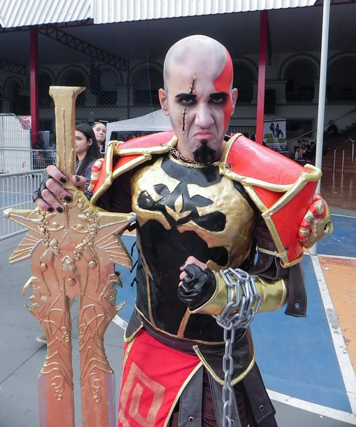 cosplay-kratos-1