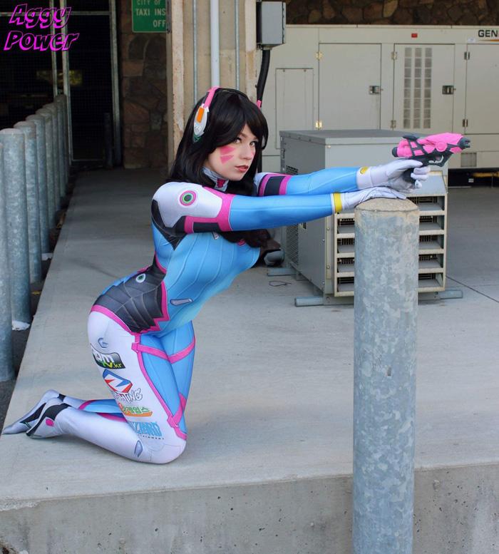 dva-overwatch-cosplay-1
