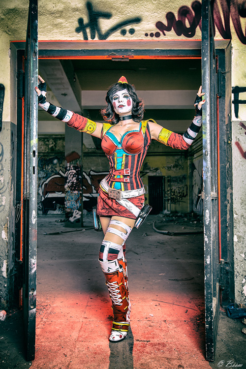 moon-moxxi-cosplay-2