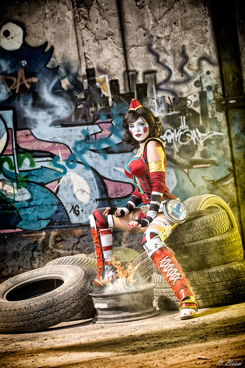 moon-moxxi-cosplay-4