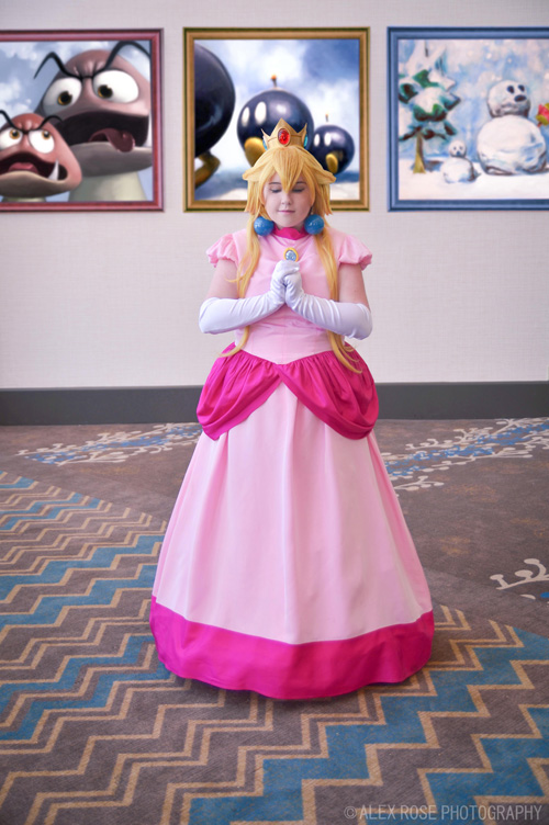 peach-mario-cosplay-4