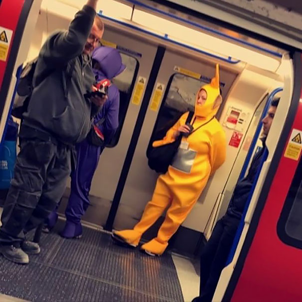 cosplayers-no-metro (19)