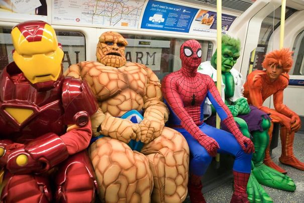 cosplayers-no-metro (4)
