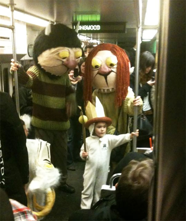 cosplayers-no-metro (7)