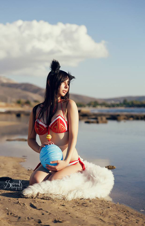 ahri-lol-pool-party-cosplay (5)