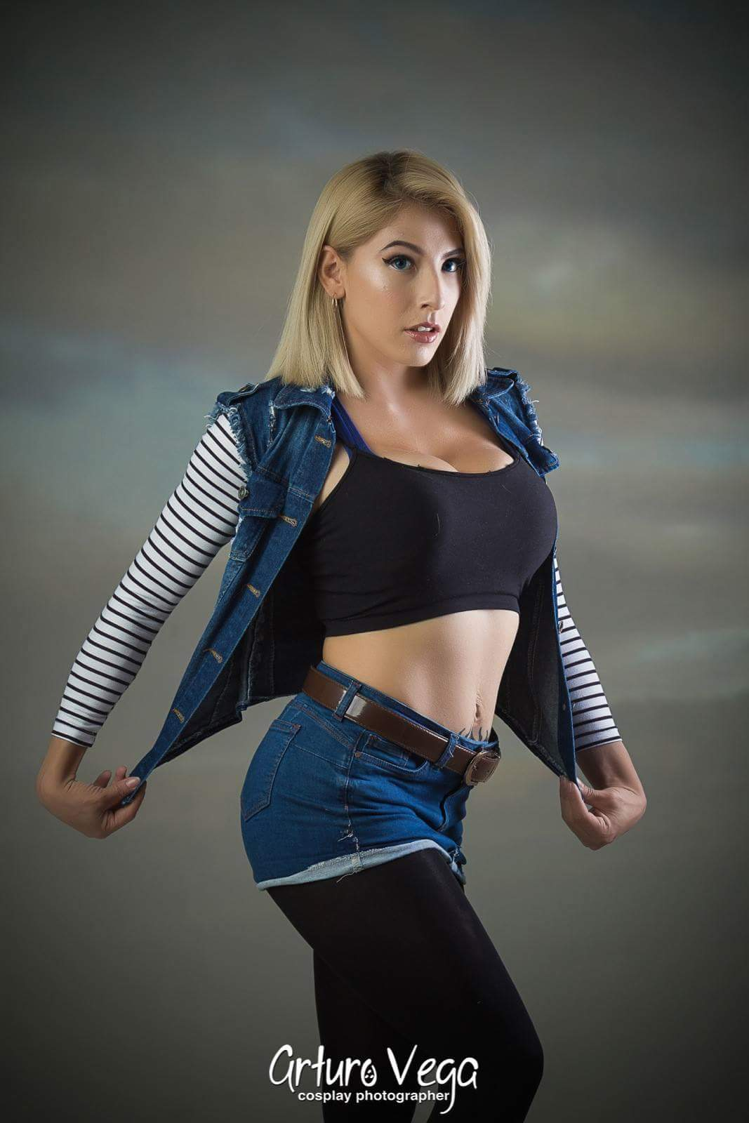 Android 18 sexy cosplay